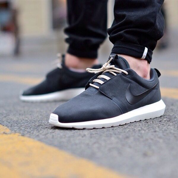 The Hottest Retro Sneakers Styles