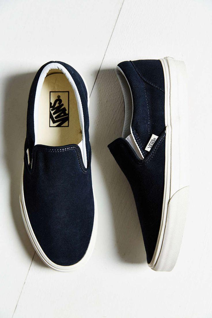 8fdd70e190 Trendy Women s Sneakers   Vans Vintage Classic Slip-On Sneaker ...
