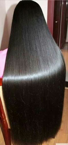 Sexy Long Hair Tips! longhairtips.org/ OMG what beautiful silkry shiney hair