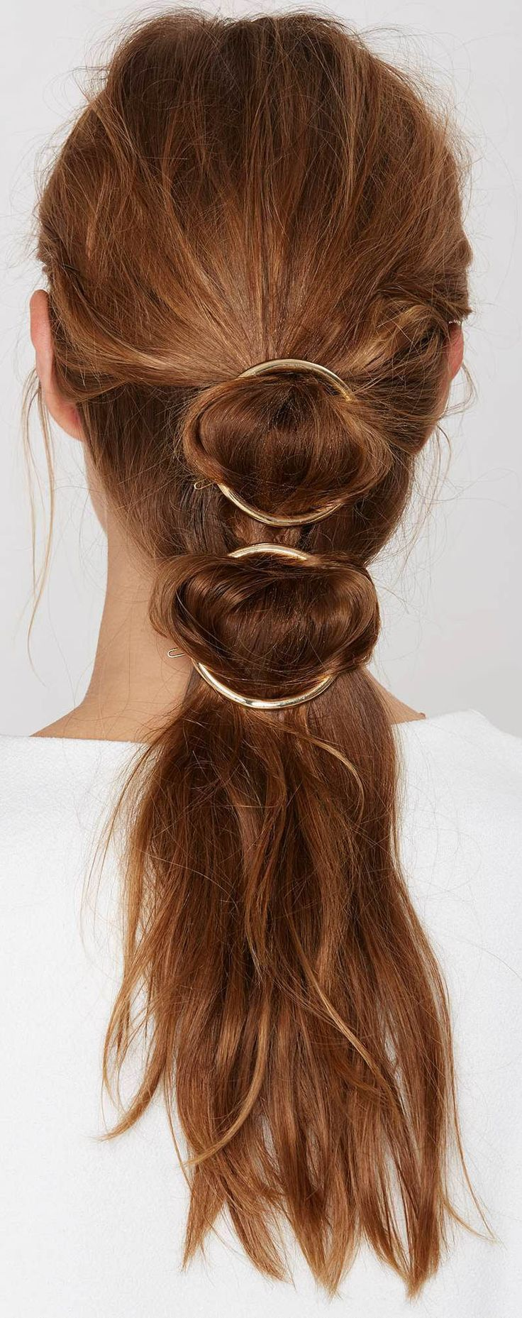 Hairdo for long hair. Boho, informal, cassual, easy, quick.