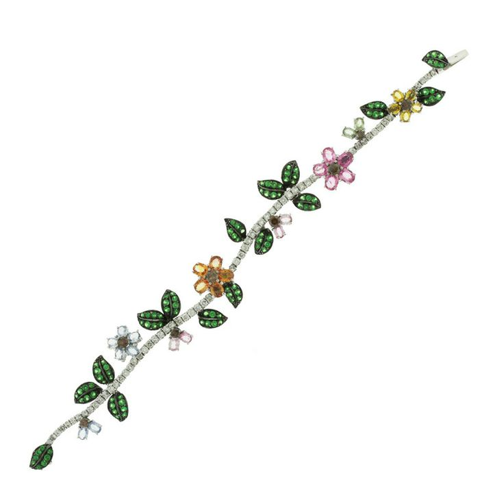 Diamond, Gold and Antique More Bracelets - 3,876 For Sale at 1stdibs
