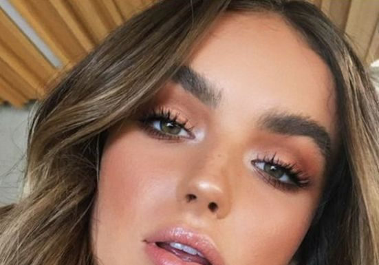 ef811f997b1 Best Inspiration Mate Makeup   10 Winter Makeup Looks To Copy This Year - Society19  UK - Fashion Inspire