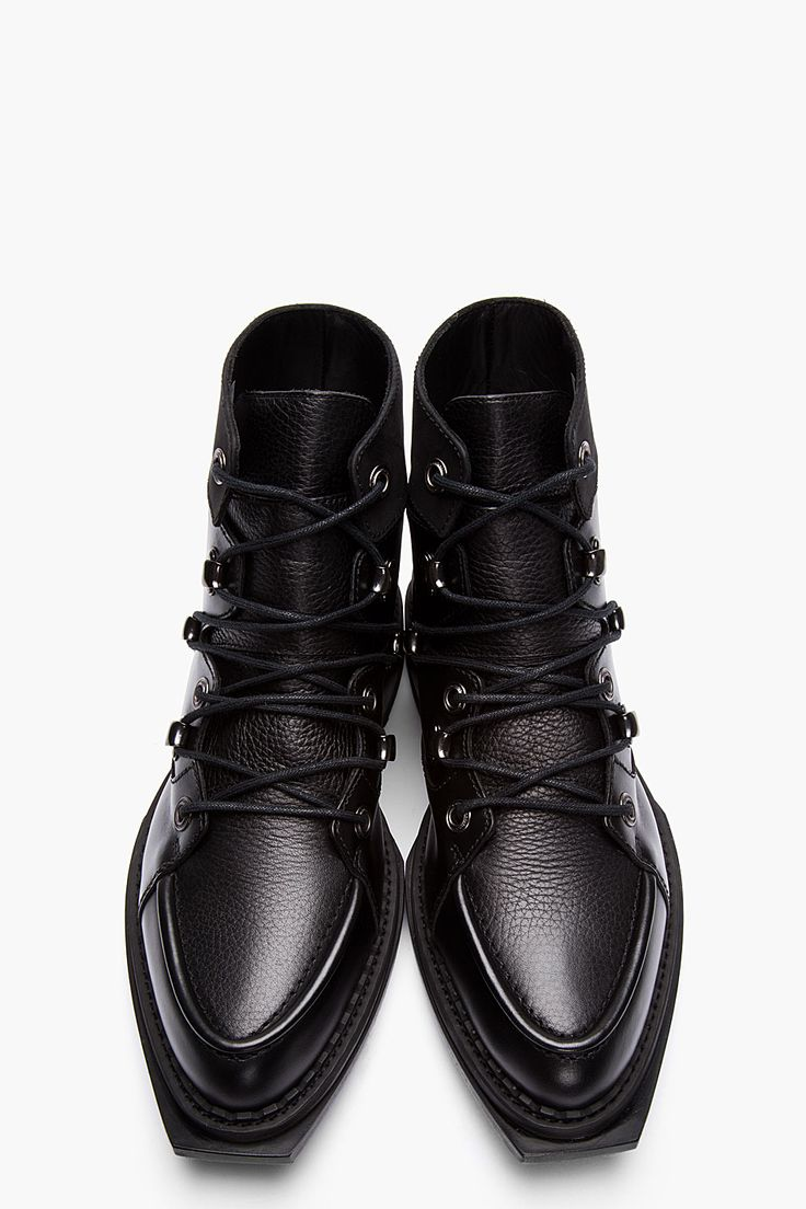 MCQ ALEXANDER MCQUEEN // Black Leather Lace-up