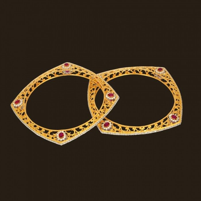 Magnificent Diamond Bangle (135A3358) | Vummidi Bangaru Jewellers