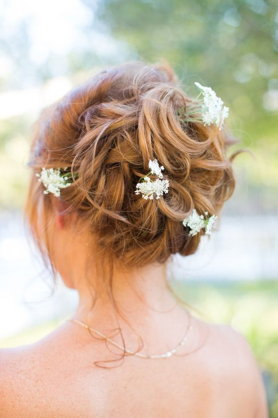 Wedding Hairstyle Inspiration - Photo: Thisbe Grace Photography