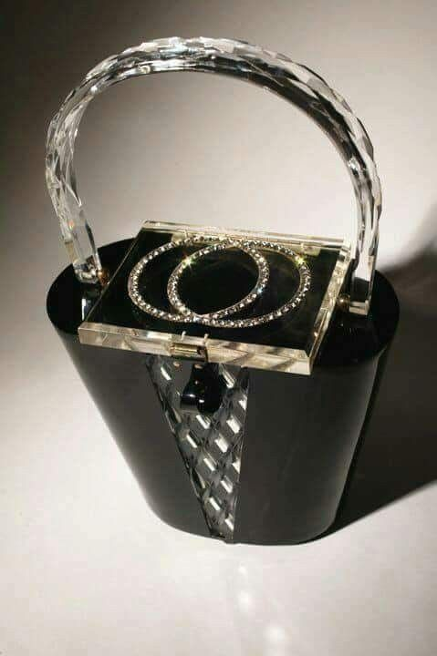 Vintage at it's best!! #purses2go