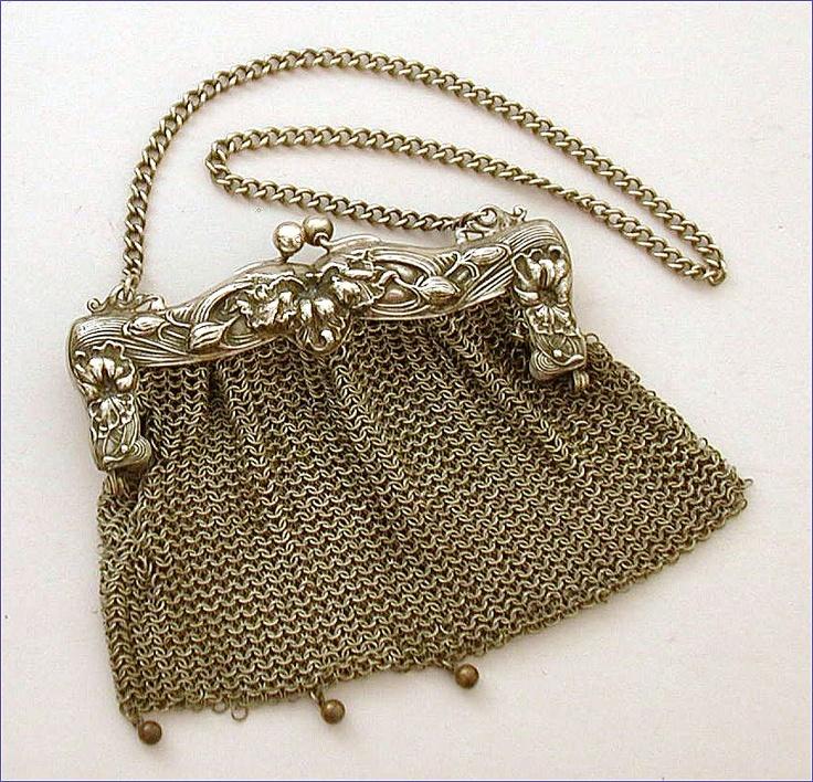 vintage purse...                                                                ...