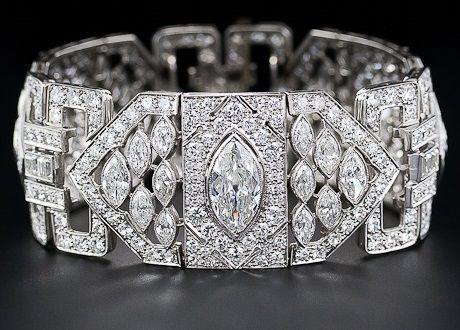 Art Deco diamond and platinum bracelet: 26 carats! #bracelet #carats #diamond #p...