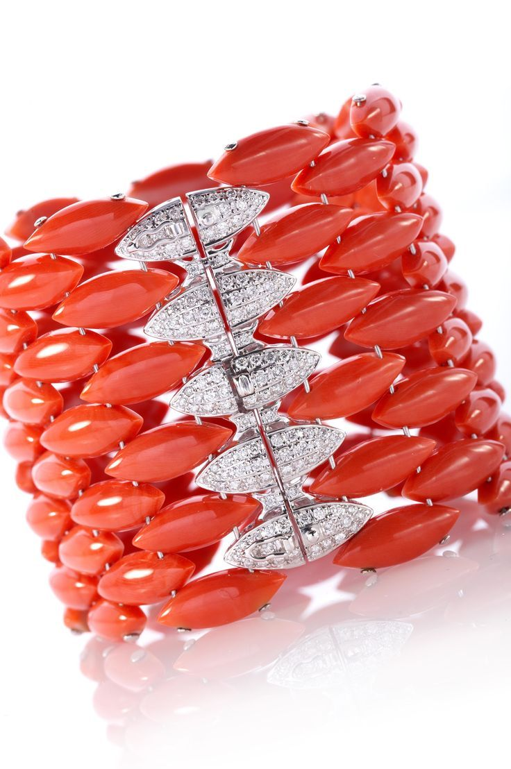 Jewelry Trends magazine. ZepJewelry leading luxury magazine featuring the top la...
