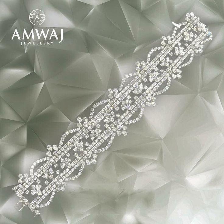Timeless luxury. #Ramadan #Eid #amwaj_jewellery #luxury #love #dub