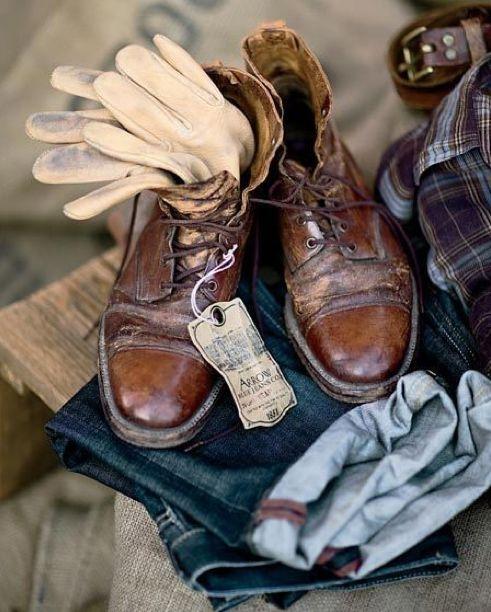 #corporatefashion #suit #bedrijfskleding #suitup #overhemden #dassen #fashion #m...