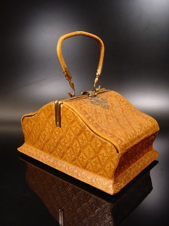 Hard to believe this Georgian handbag is from the mid 1700s