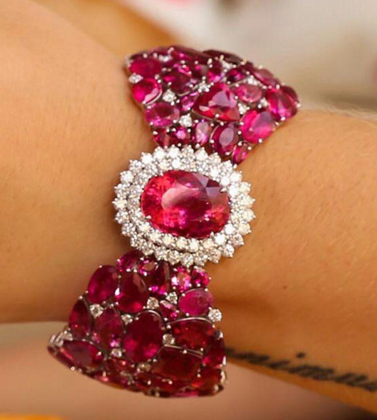Best Diamond Bracelets : Coleção Bellor Verão ✨ Bracelete em ouro branco 18k, rubelitas e diamantes