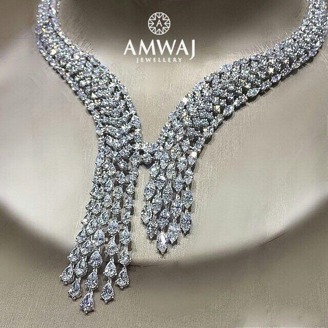 Loose Diamond : Amwaj_Jewellery.. Freeze that moment in internal diamond beauty....