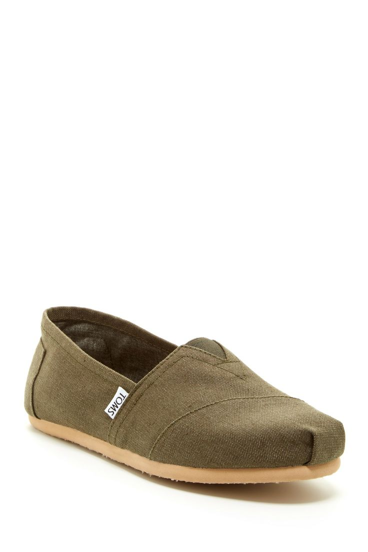 You can never go wrong with classic TOMS in the summer. | Earthwise Classic Slip...