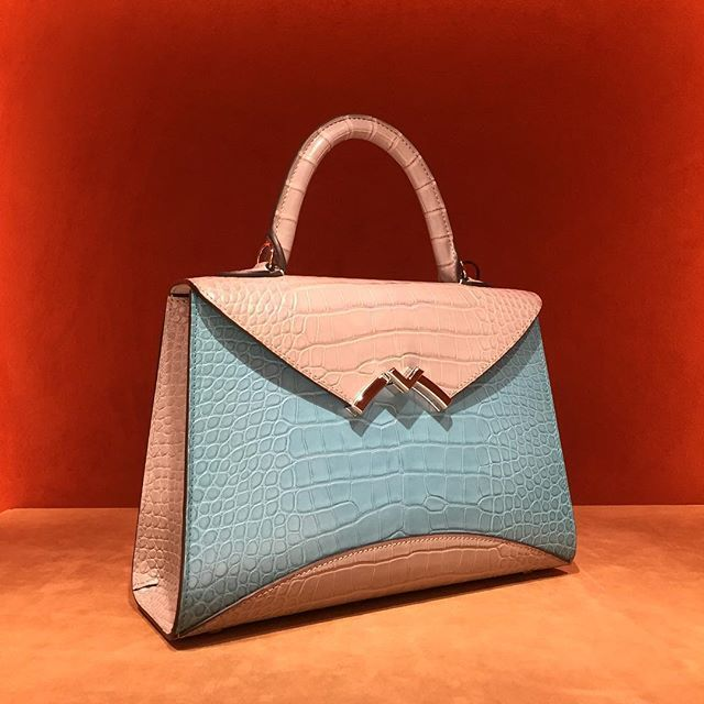 Back to the roots. This one-of-a-kind Gabrielle is a tribute to the Moynat turqu...