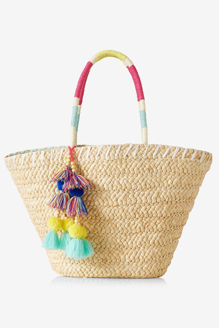 10 Straw Beach Bags to Tote On Your Spring Break Getaway