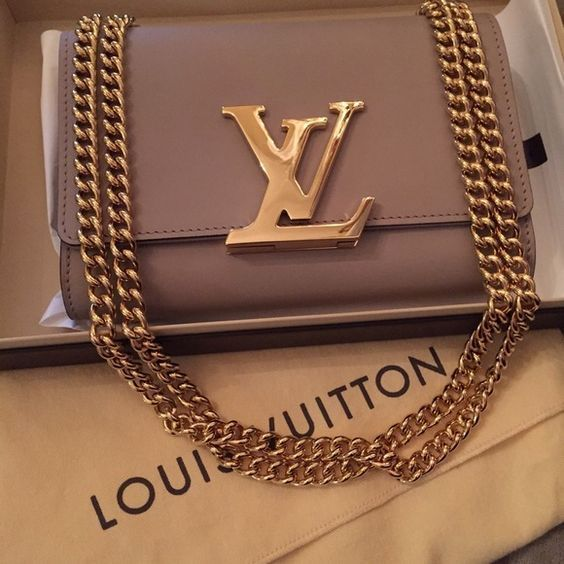Louis Vuitton Handbags                                                          ...