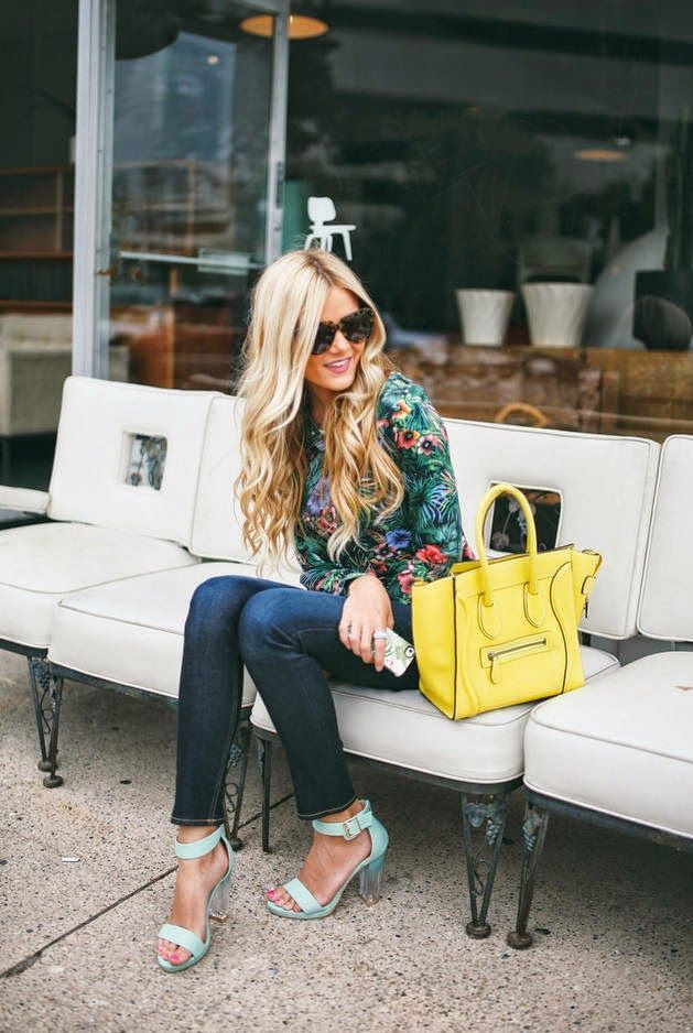 Summer : floral blouse, chunky heels, and pop of yellow