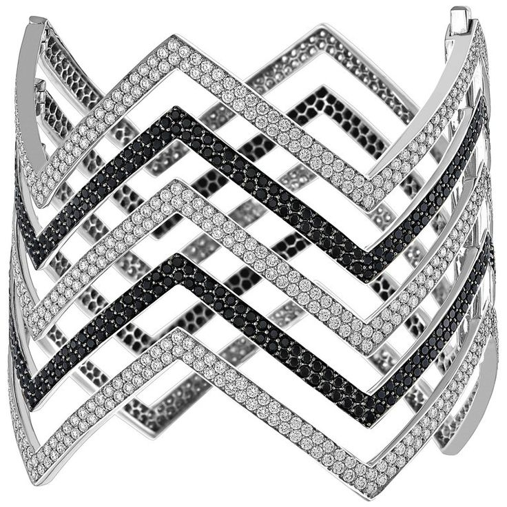 18 Karat White Gold Black and White Diamond Chevron Cuff Bracelet