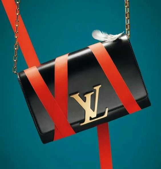 The most important luxury brands in the world available at Luxury & Vintage Madrid