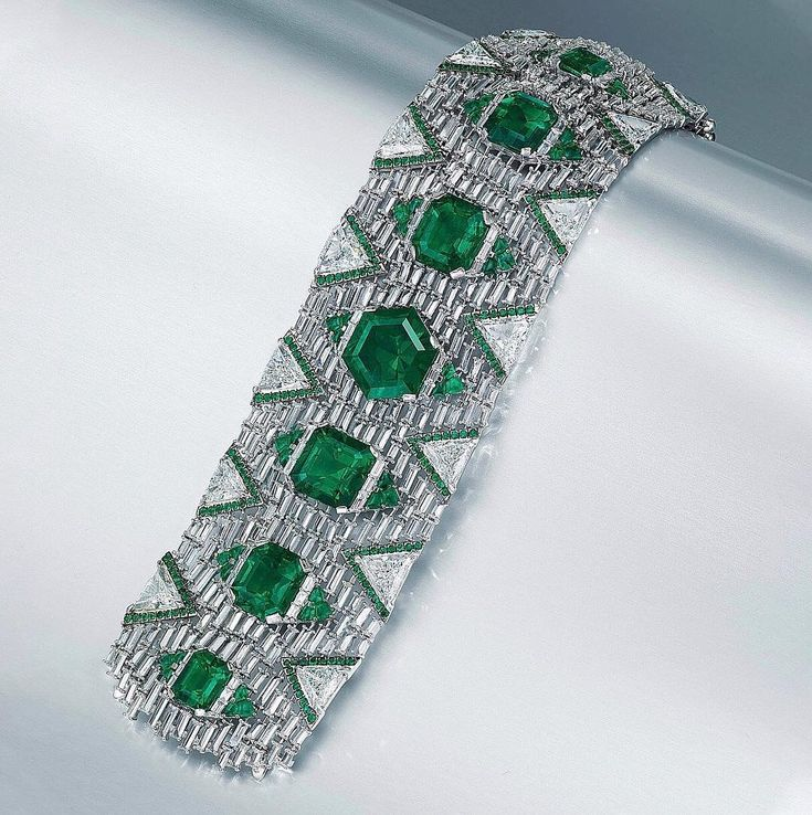 """High & Fine Jewellery Shopper on Instagram: """"The remarkable emerald and diamon..."""