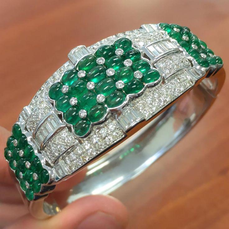 This Emerald and Diamond Bracelet
