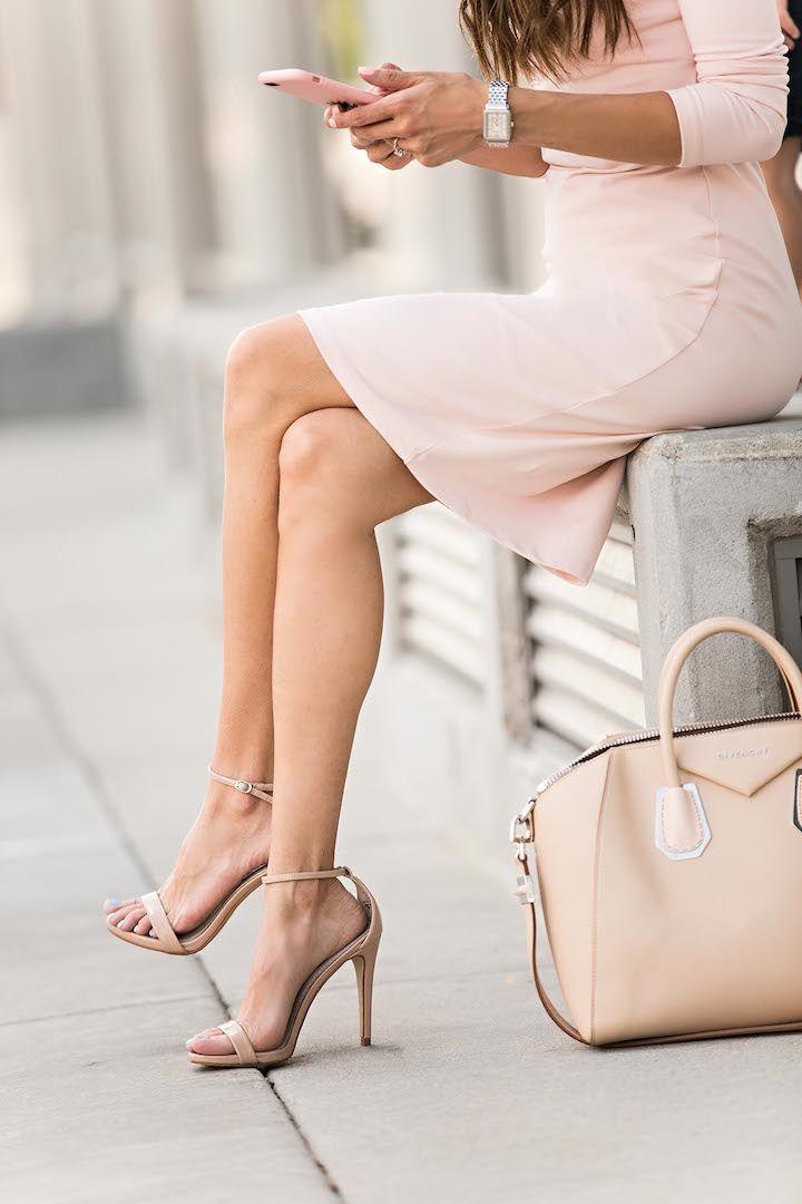 nude tote and blush dress • Street CHIC • ❤️ Babz™ ✿ιиѕριяαт...
