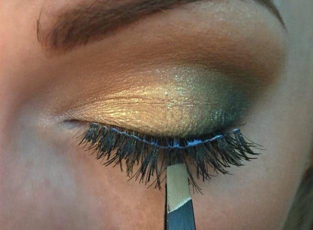 Mastering the Art of Applying False Lashes