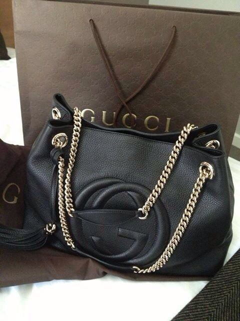Gucci winter 2015 What a lovely bag made by Gucci. Gucci #Gucci #Purse makes ver...