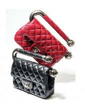 Chanel available at Luxury & Vintage Madrid, the best online selection of Luxury...