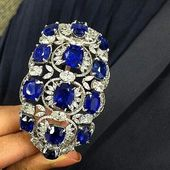 Magnificent Sapphires and diamonds bracelet.