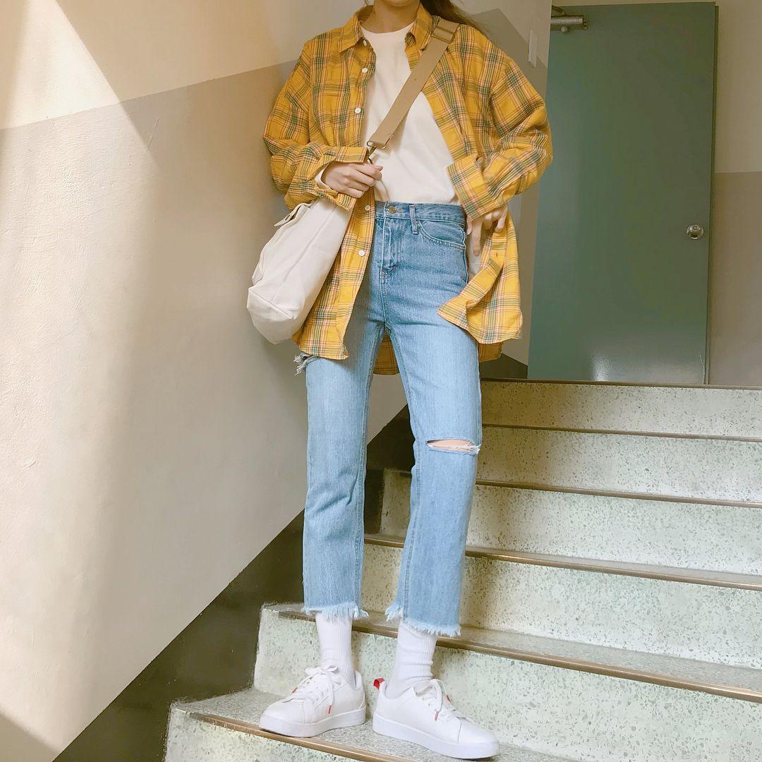 """효정 hyojeong (22) on Instagram: """"내일 모입지 【・ヘ・?】 #데일리룩 #제이탐탐 #로코파이"""""""